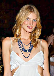 Downblouse slip of Angela Lindvall