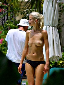 Claudia Schiffer has no bikini bra