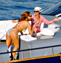 Mariah Carey in bikini private pics